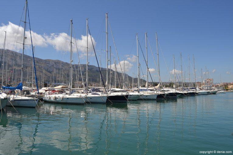 Barcos en el Puerto Deportivo de Dénia