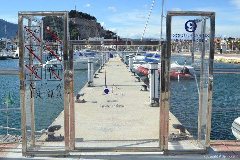 Pantalán del puerto de Dénia