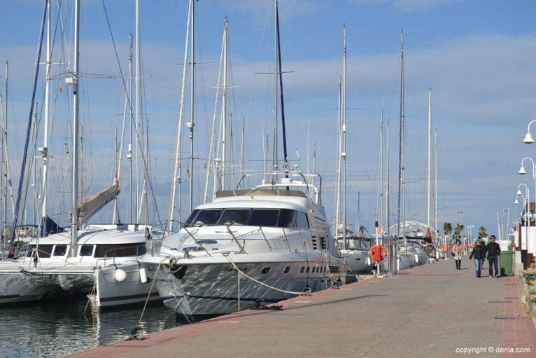 Paseo Marítimo de Dénia - barcos