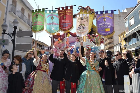 Children 20 2015 Dénia Fallas Awards - charges and family celebrating the first prize