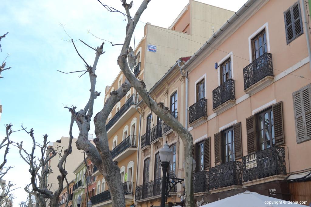 Marqués de Campo street buildings