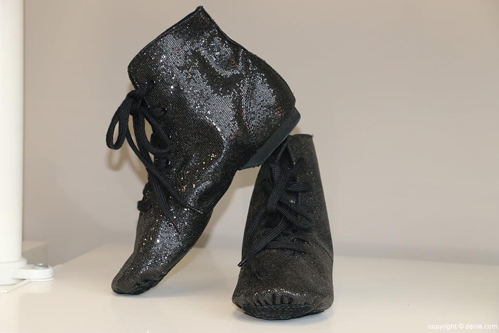 Calçat negre Món de Dansa