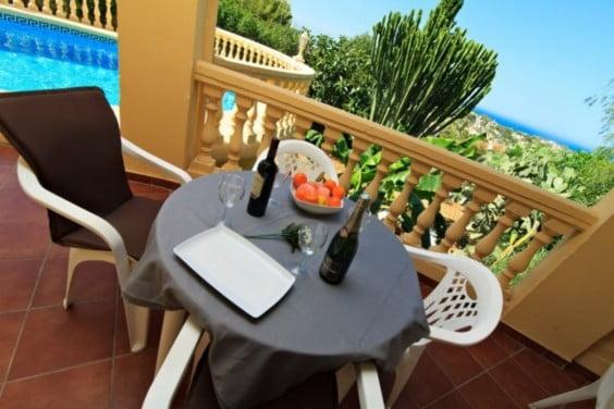 villa-vacances-et-bien-etre-terrasse