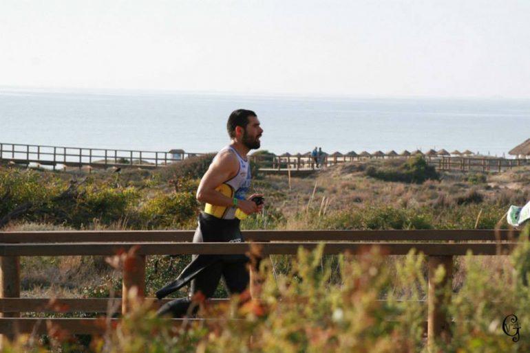 Emilio Ronda durante el tramo de carrera a píe.