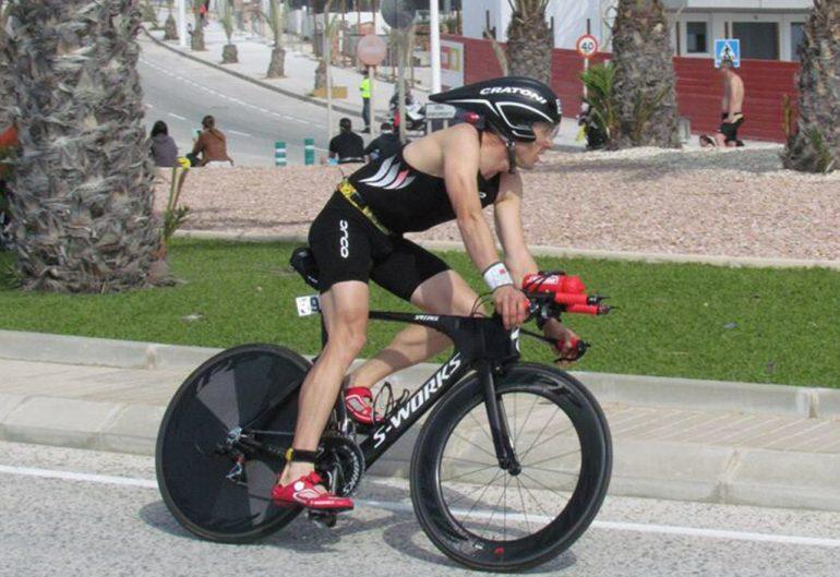 Sergio Alberola sobre su bicicleta