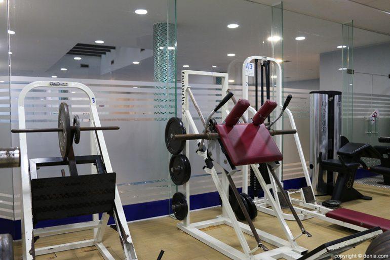 Ogisaka Fitness Spa máquinas