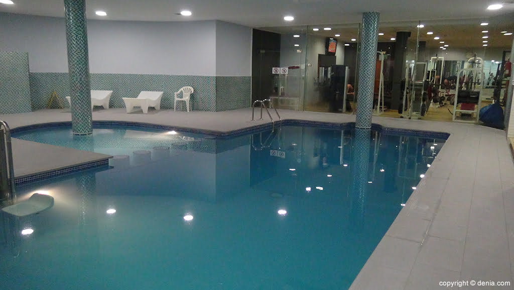 Ogisaka Fitness Spa piscina