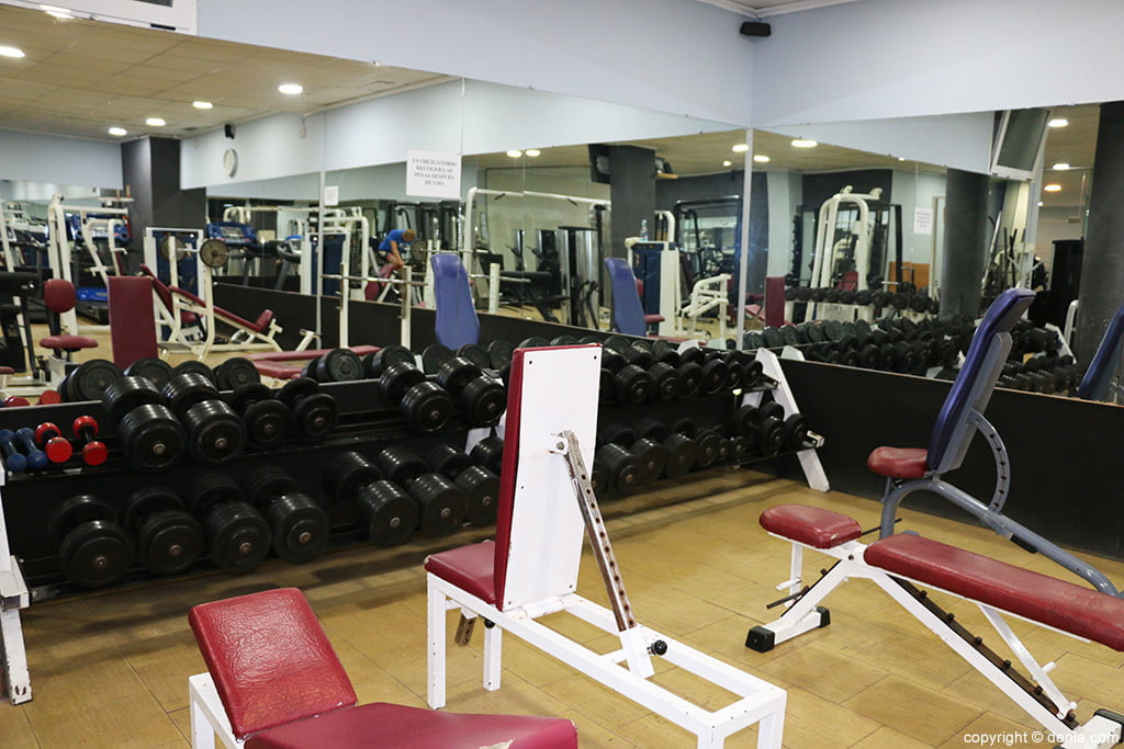 Pesas ogisaka fitness spa d for Gimnasio denia