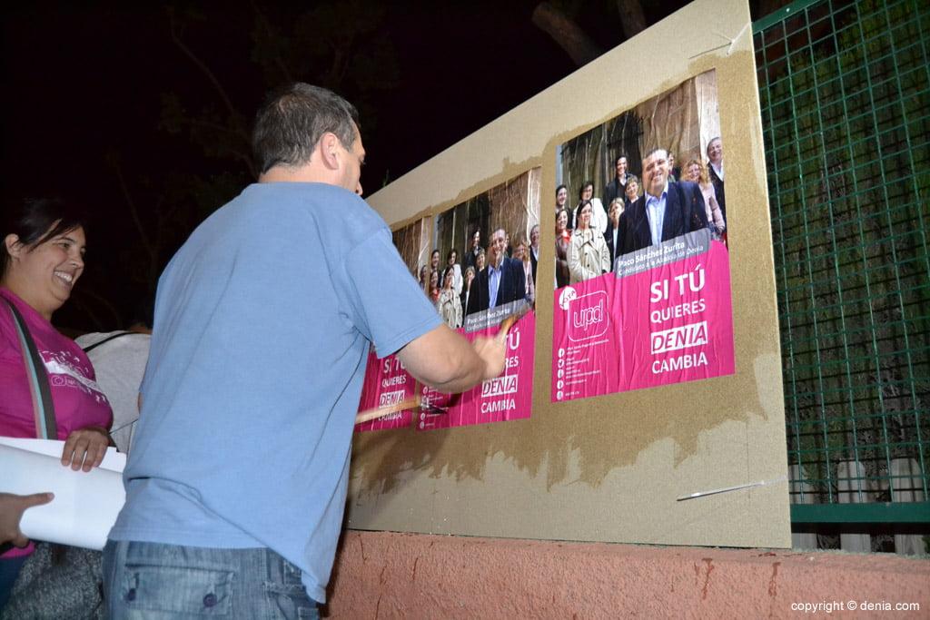 Enganxada de cartells eleccions municipals Dénia 2015 - UPyD