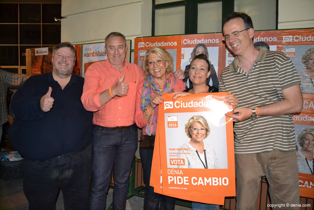 Enganxada de cartells eleccions municipals Dénia 2015 - Ciutadans