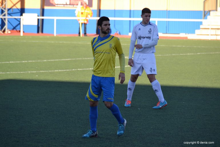 Mono author of the goal of Dénia in Tavernes