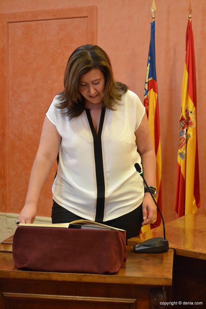 Juramento de los nuevos concejales de Dénia – Ana Kringe