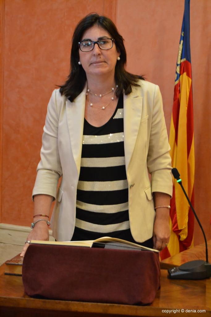 Juramento de los nuevos concejales de Dénia – María Mut