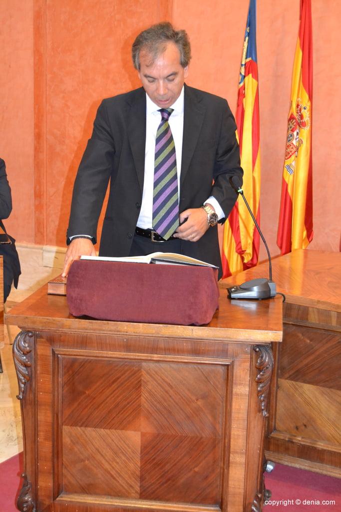Juramento de los nuevos concejales de Dénia – Miguel Llobell