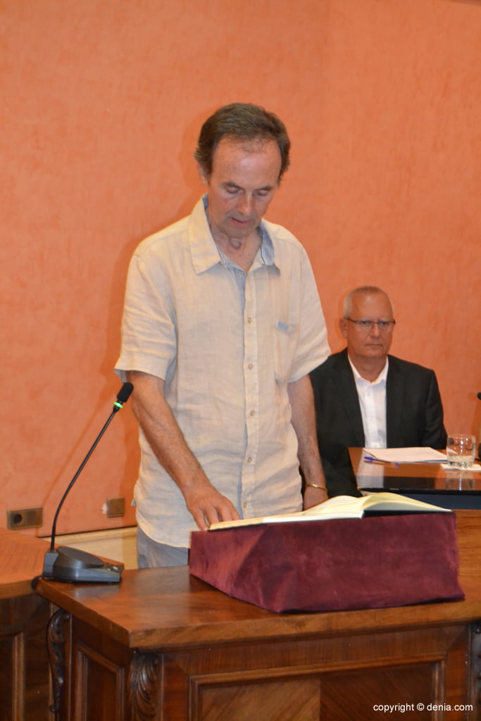 Juramento de los nuevos concejales de Dénia – Antonio Losada