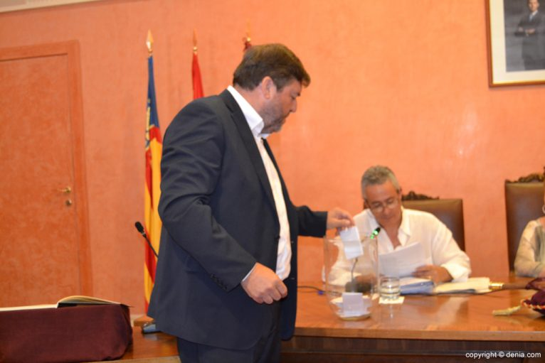 Votación de nuevo alcalde - Rafa Carrió