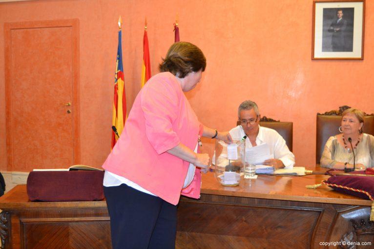 Votación de nuevo alcalde - Pepa Font