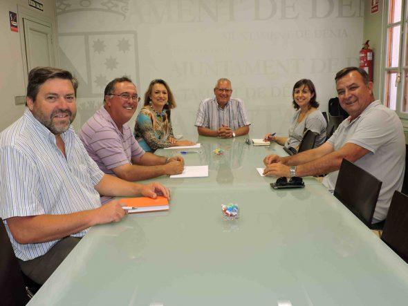 Primera reunión entre Grimalt y el CEDMA