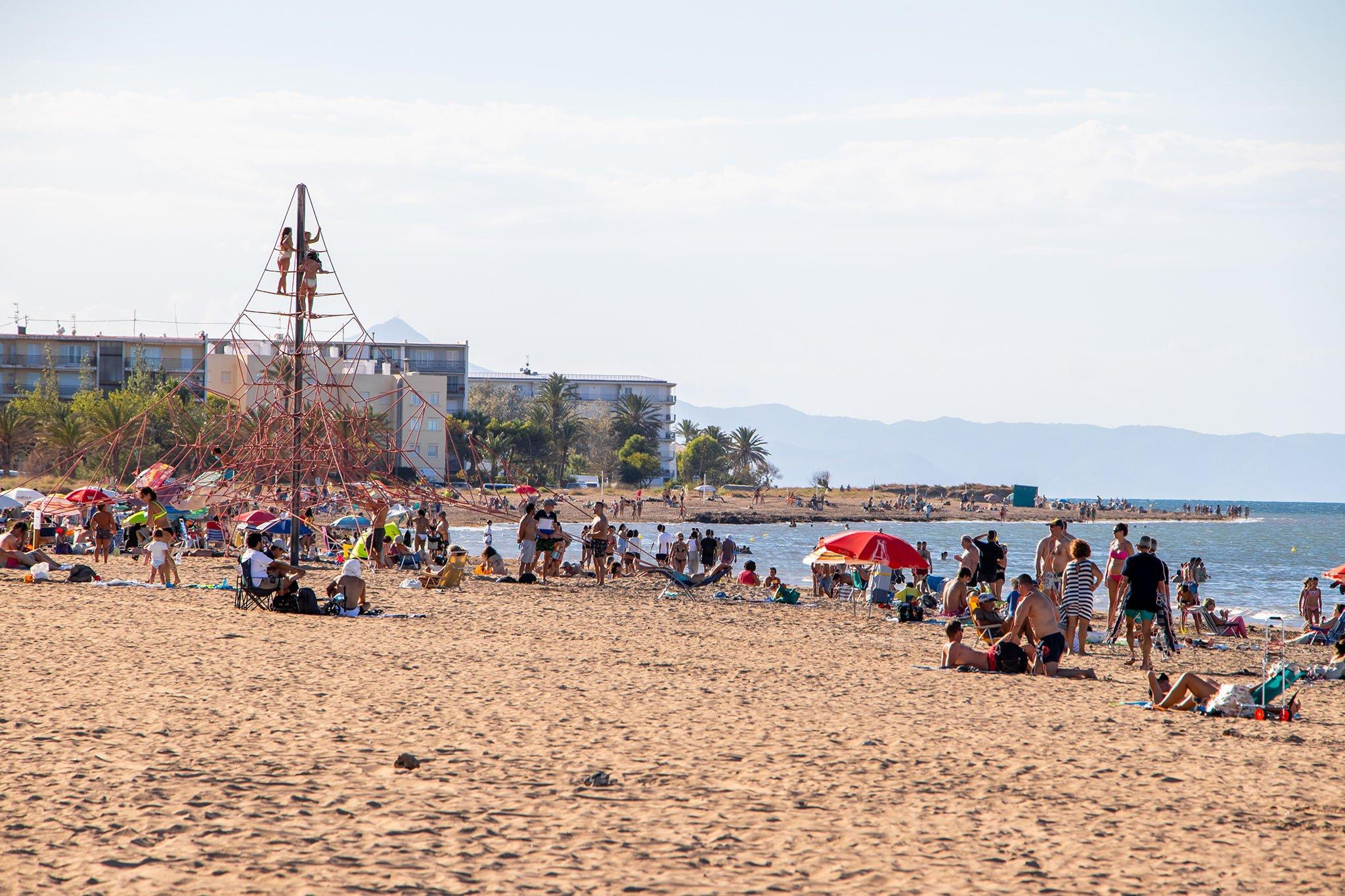 Playa Punta del Raset durante el verano de 2020