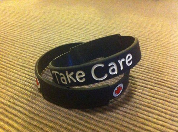 take care braccialetto