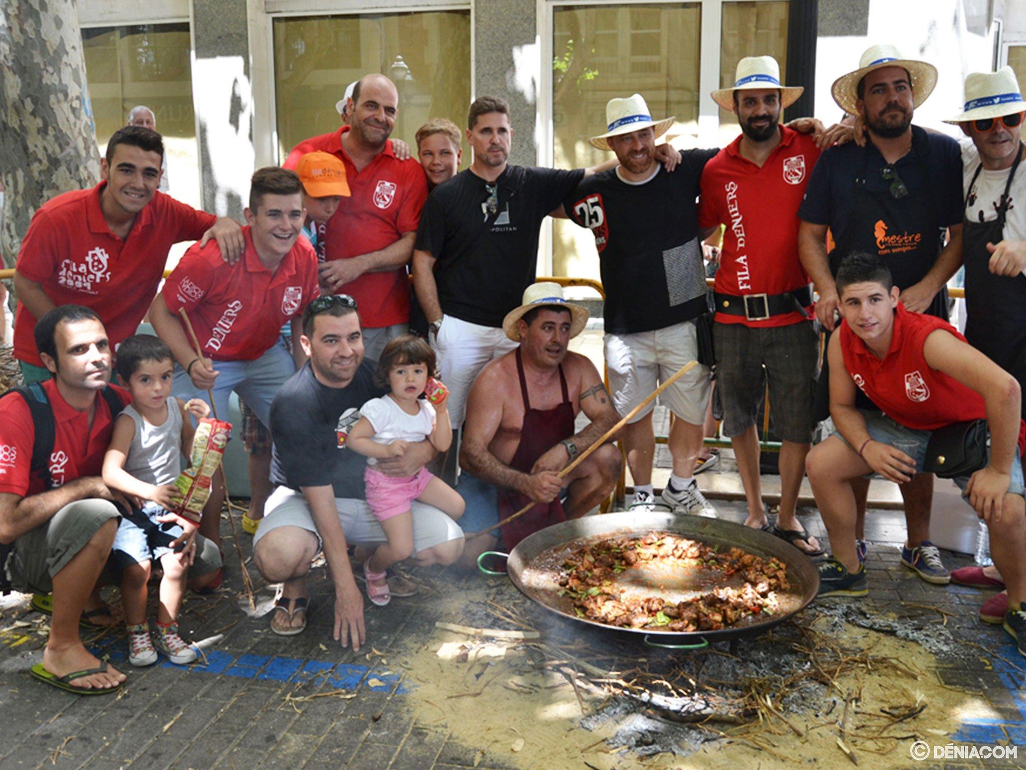 Concurso de paellas de Sant Roc – Filà Deniers