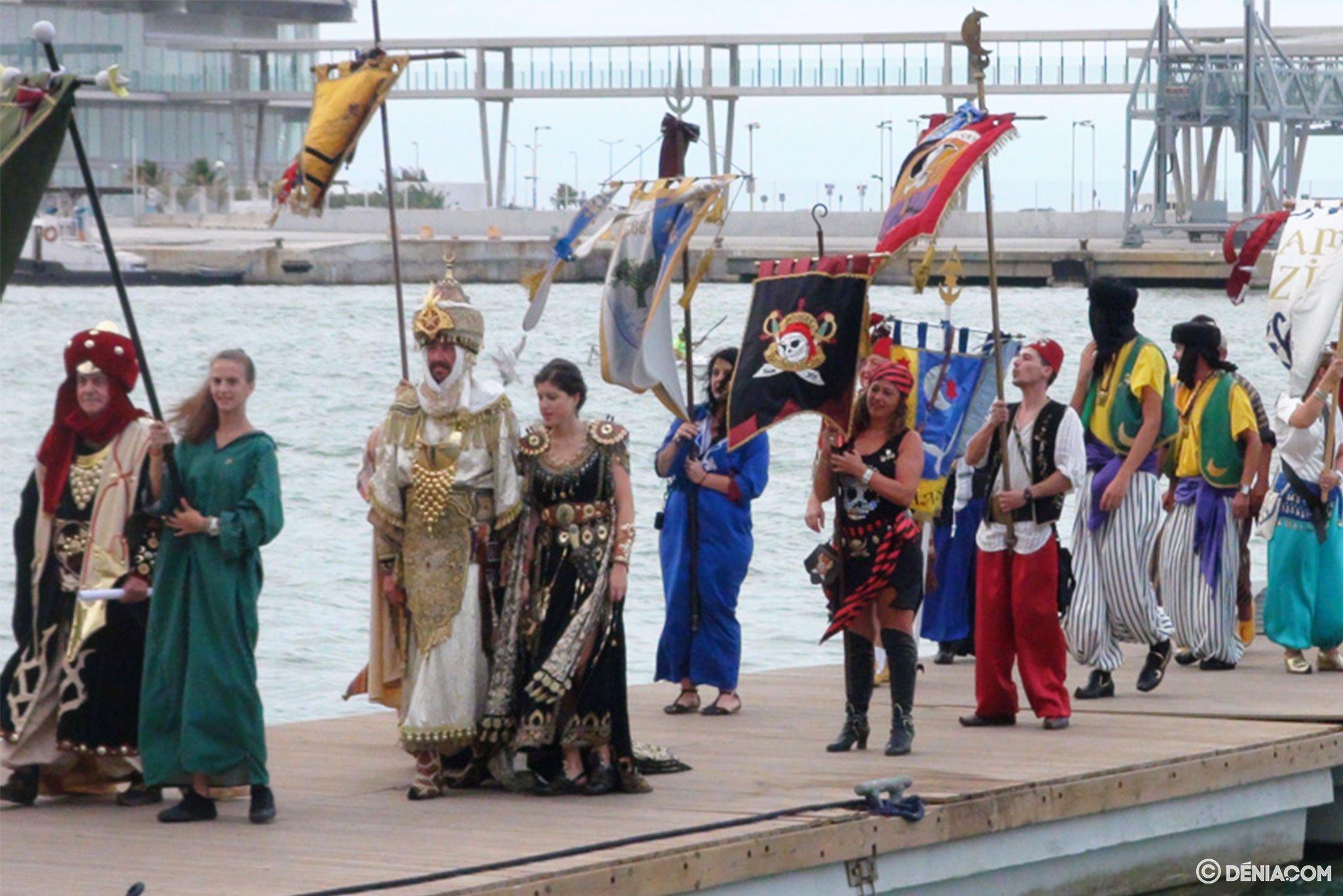 Desembarco moro Dénia 2014 01 – llegada de las tropas a puerto