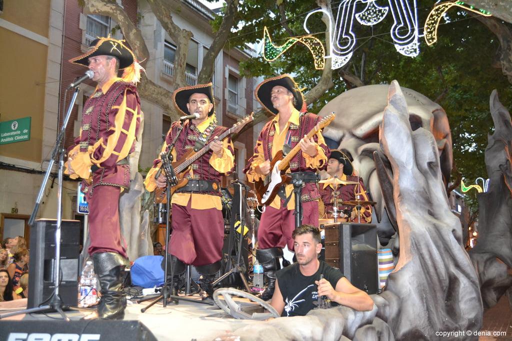 Торжественный парад - Кристиан Капитанства Маринс Corsaris
