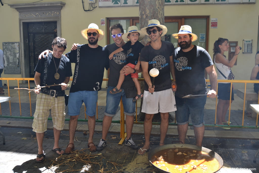 Concurso de paellas de Sant Roc – Filà Cavallers