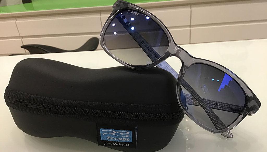 Gafas unisex Errebé de fibra de carbono y con lente semiespejada