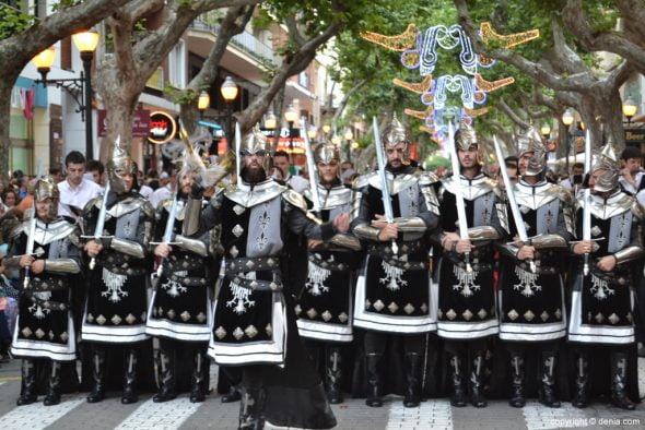 17 Desfile de Gala Guerrers Hospitalaris - Escuadra caballeros hospitalarios de San Juan