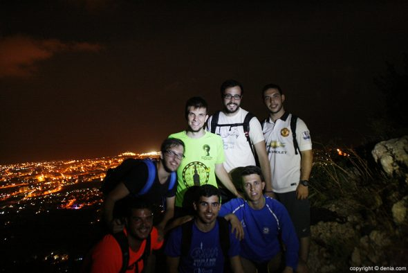 Dénia group photo with the background night
