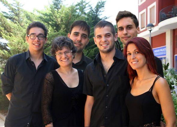 Jóvenes intérpretes de la Agrupación Artística Musical de Dénia