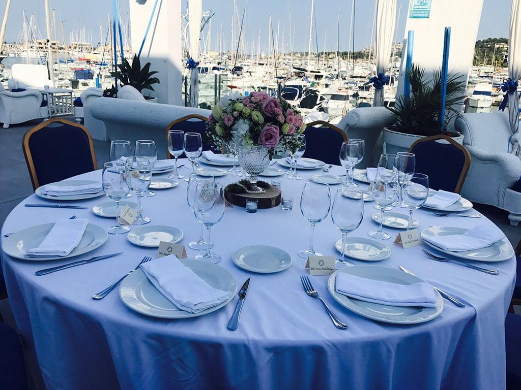 Mesa redonda Restaurante-Balandros
