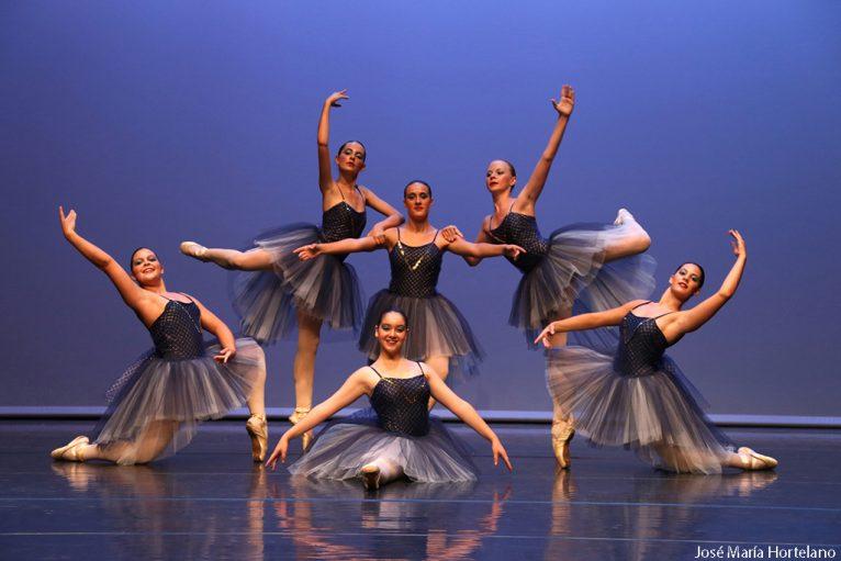 Actuación Escola de Dansa Mª Ángeles Signes