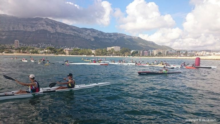 Paddlers taking a buoy