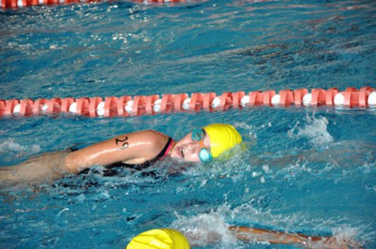 Prueba de natación del Acuatlón de Dénia