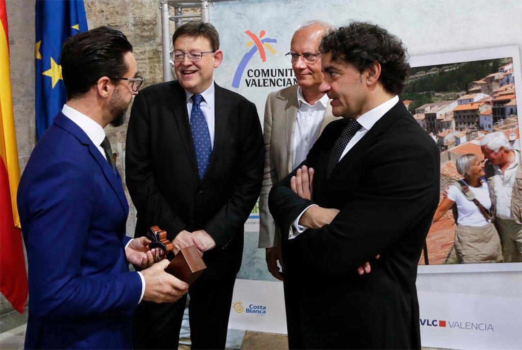 Quique Dacosta y Vicent Grimalt con Ximo Puig