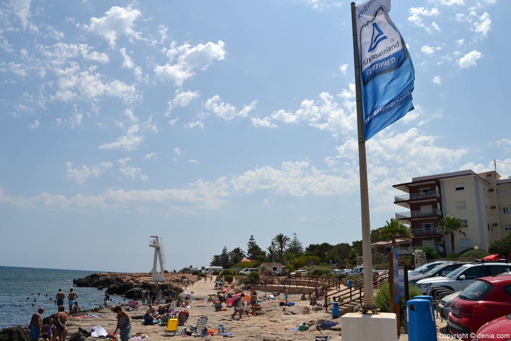 Bandera de calidad en la Playa El Trampolí