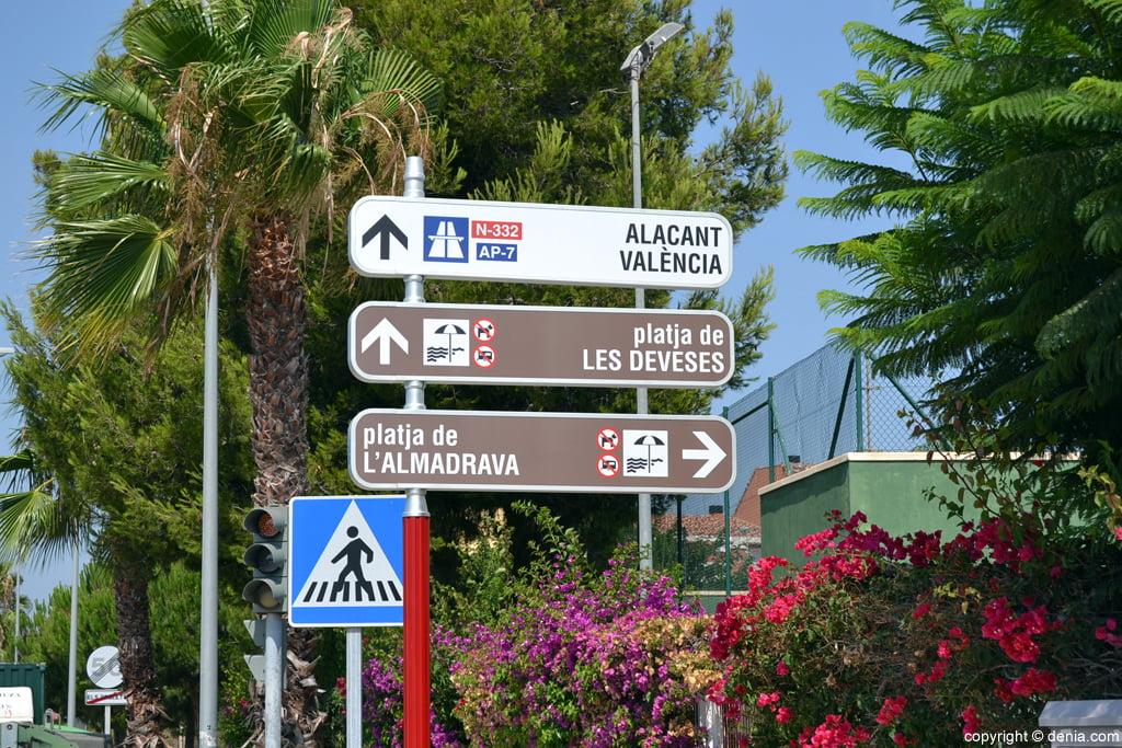 Entrada a la playa de L'Almadrava