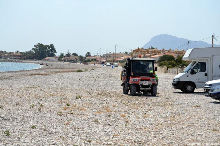 Limpieza en la Playa almadrava Dénia