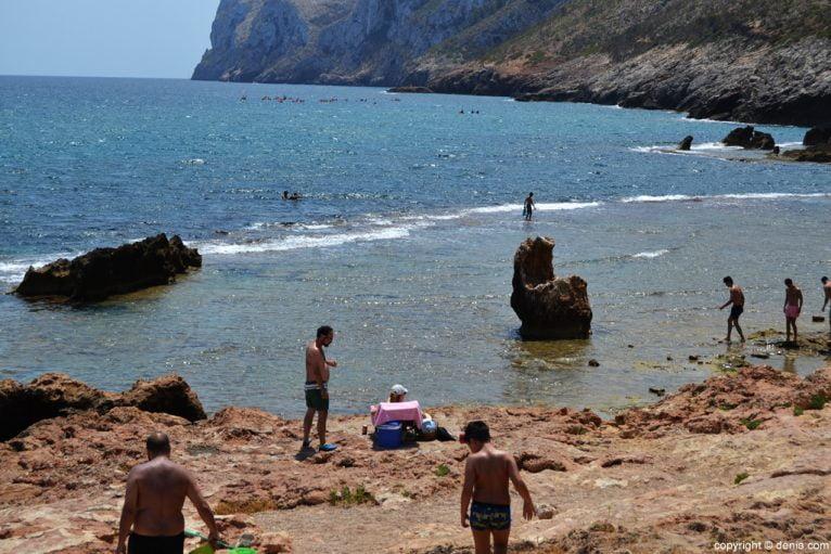 Playa rocas Dénia - Les Rotes