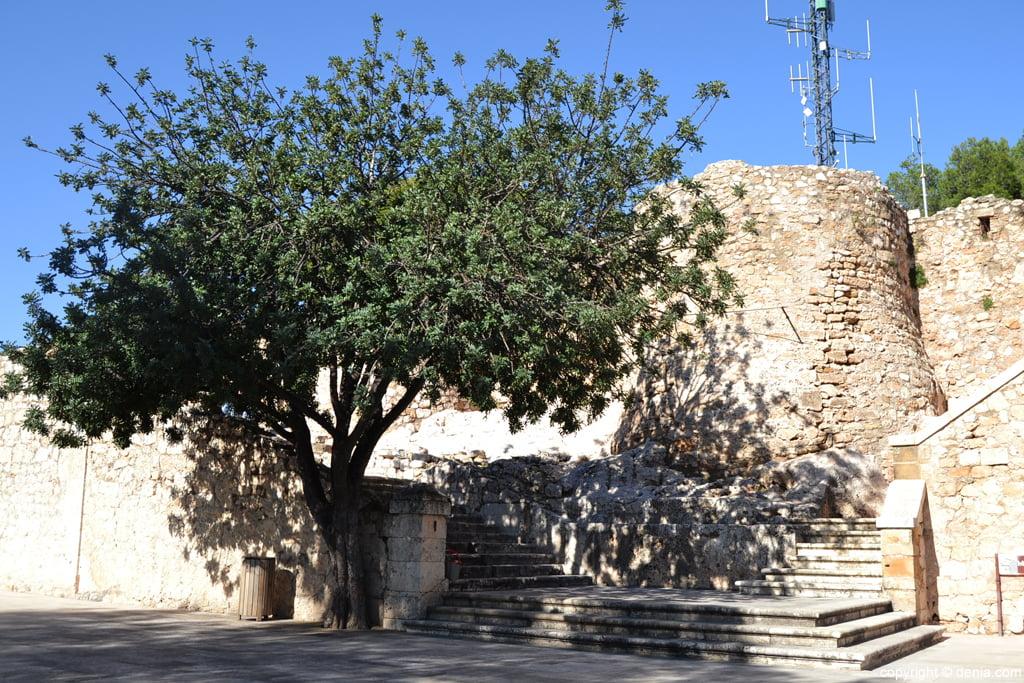 Castillo de Dénia – accesos al palau