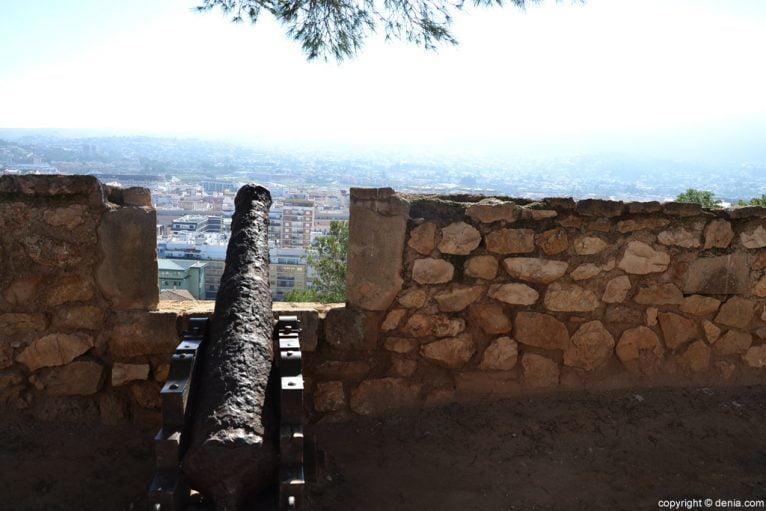 Castillo de Dénia - cañón