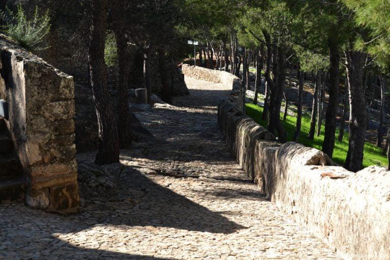 Castillo de Dénia - camino al baluard
