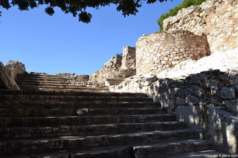 Castillo de Dénia - escalera del Palau