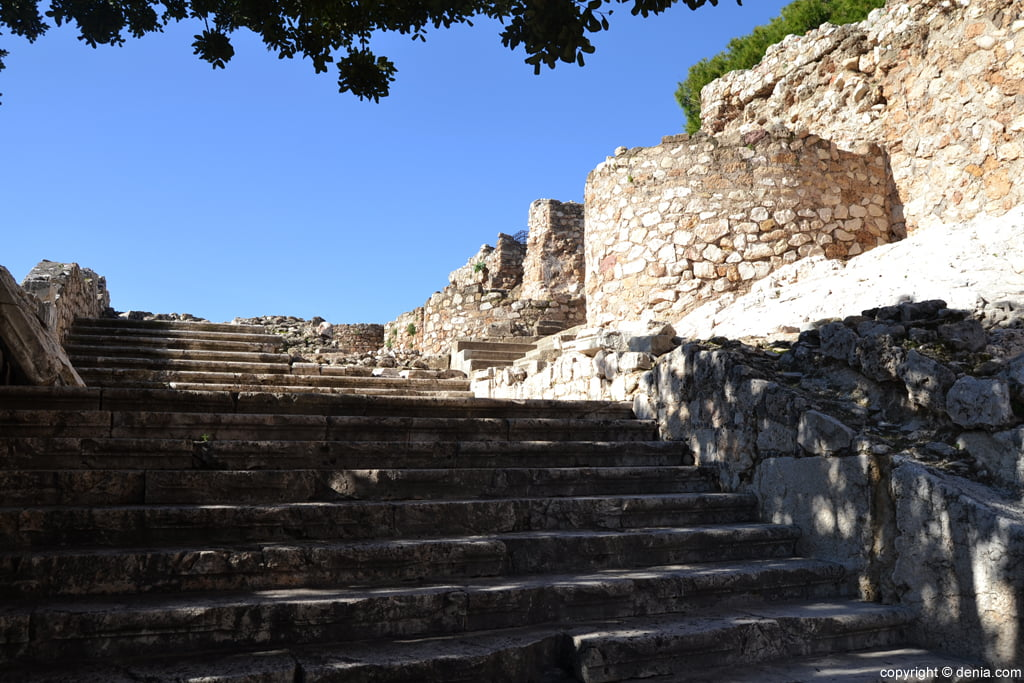 Castell de Dénia - escala del Palau