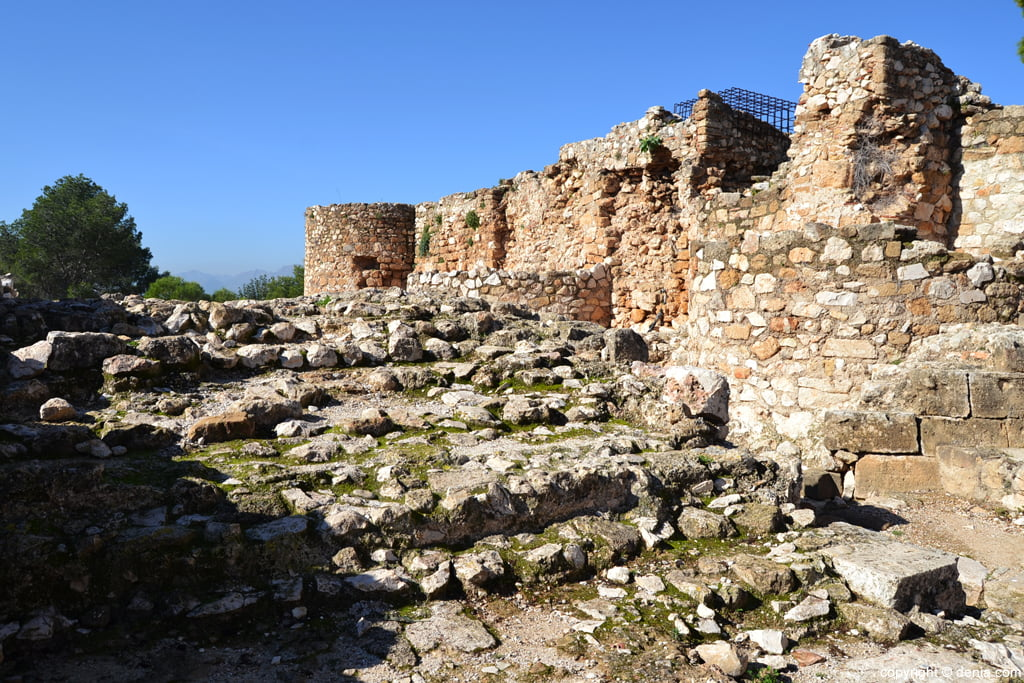 Castell de Dénia - restes de l'escala monumental