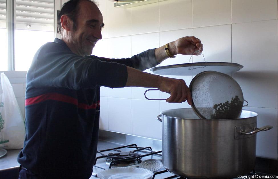 Cocinando en el Parque Natural de Bomberos
