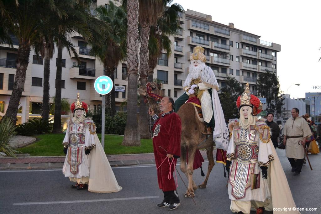 Cabalgata Reyes Magos 2015 – llegada de los Reyes a camello