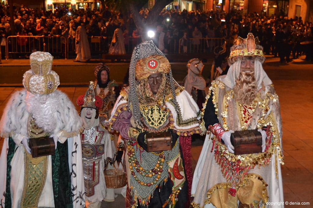 Cabalgata Reyes Magos 2015 – Llegada de los Reyes al Ayuntaminto